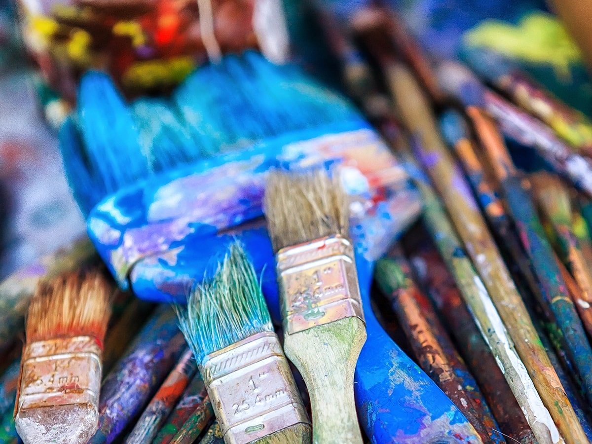 How to Clean Acrylic Paint Brushes: 6 Tips