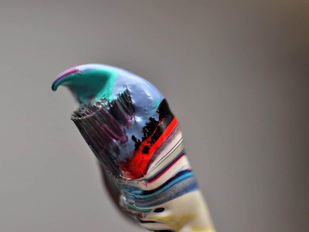 stop acrylic paint from drying