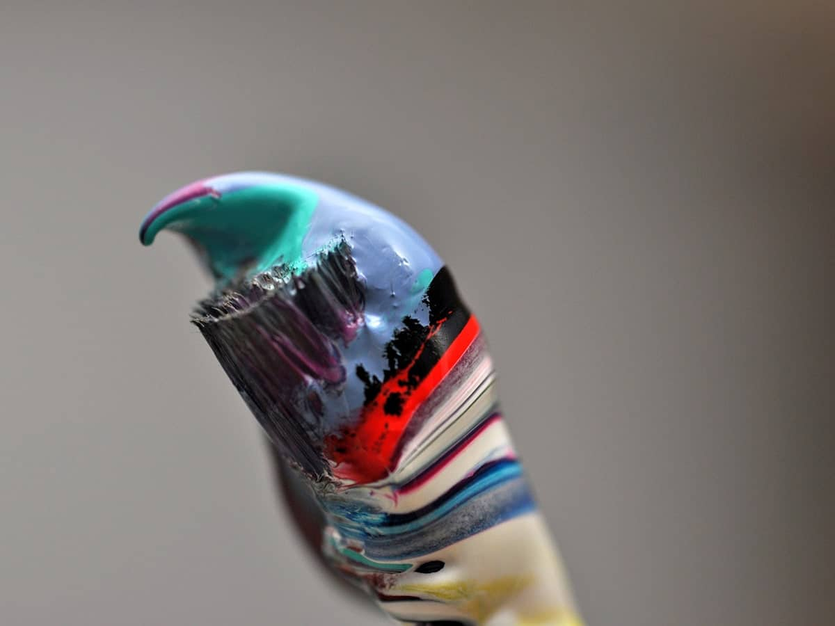 How to Stop Acrylic Paint from Drying Out