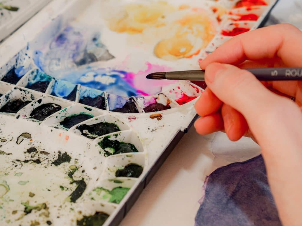 Watercolour supplies: palettes