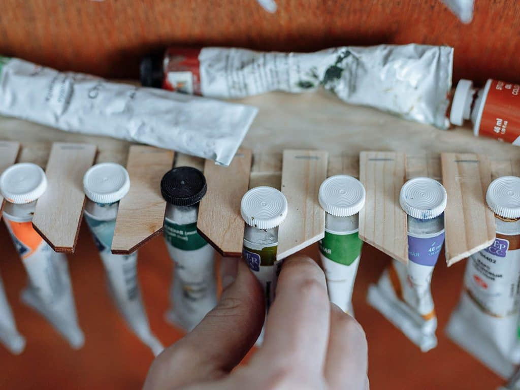 which colours do you need for acrylic painting?