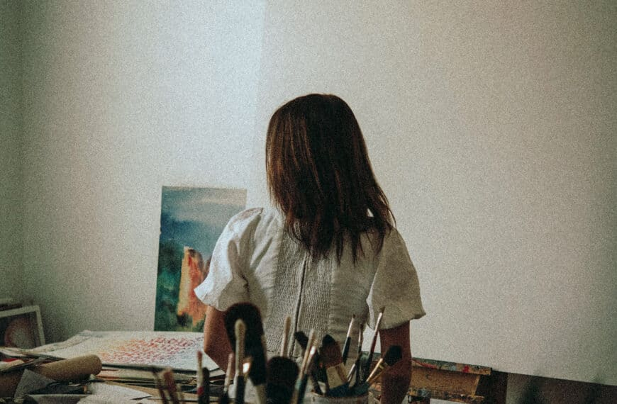 How to Start an Oil Painting: 5 Methods